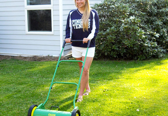 Top 3 Best Reel Lawn Mower – Reviews And Buying Guide